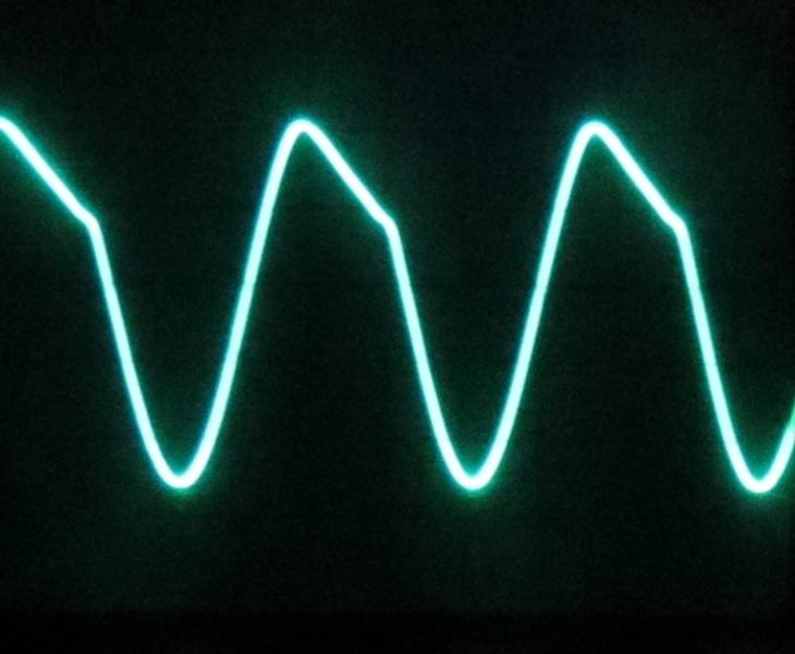 Signal bei 1,1 MHz im Band 2 (Bandende)
